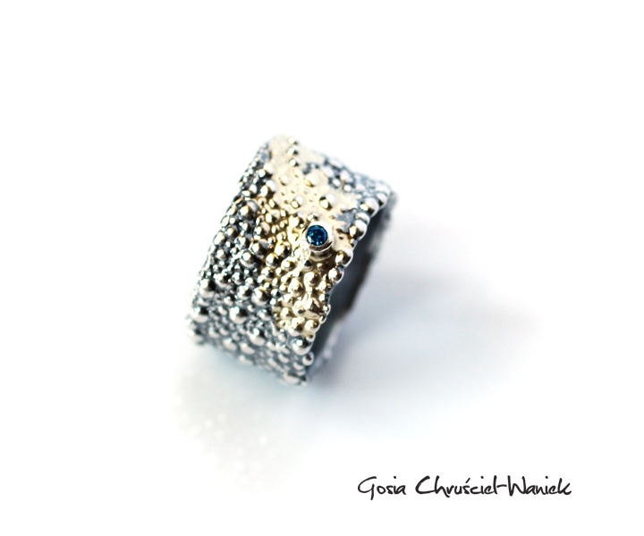 31e2f575b5c5ba Symbiosis - srebrno - złoty pierścionek z turkusowym brylantem / Gosia  Chruściel-Waniek / Biżuteria